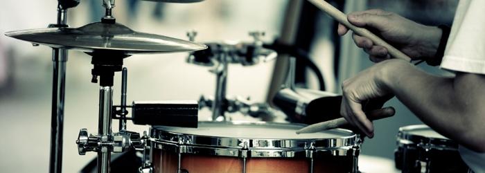 Schlagzeug / Trommel, Becken